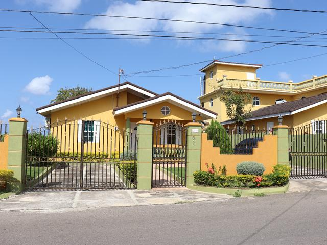 http://images.realtyserver.com/photo_server.php?btnSubmit=GetPhoto&board=jamaica&name=0000A04A.L01