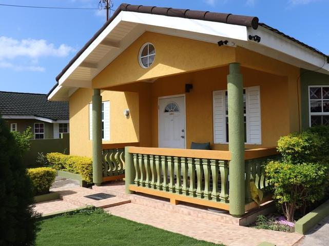 http://images.realtyserver.com/photo_server.php?btnSubmit=GetPhoto&board=jamaica&name=0000A04A.L02
