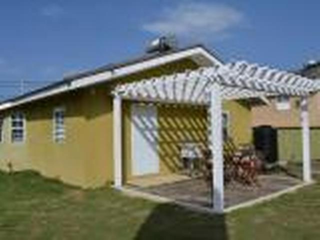 http://images.realtyserver.com/photo_server.php?btnSubmit=GetPhoto&board=jamaica&name=0000A20D.L02
