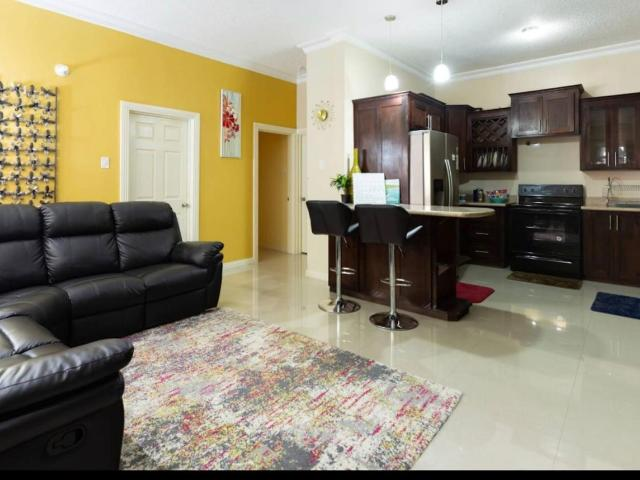 http://images.realtyserver.com/photo_server.php?btnSubmit=GetPhoto&board=jamaica&name=0000A246.L05