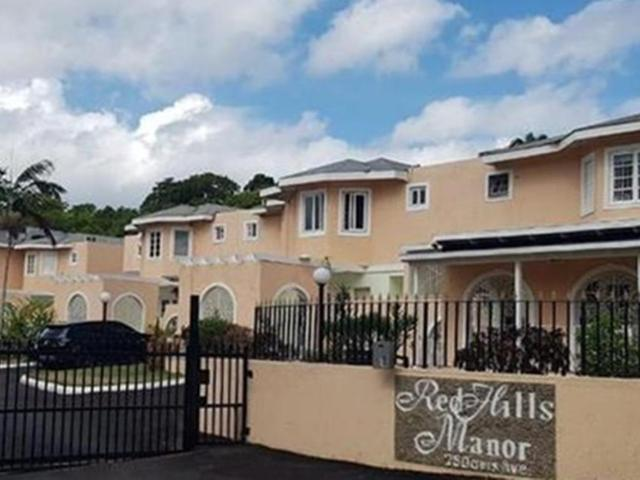 http://images.realtyserver.com/photo_server.php?btnSubmit=GetPhoto&board=jamaica&name=0000A4FC.L01