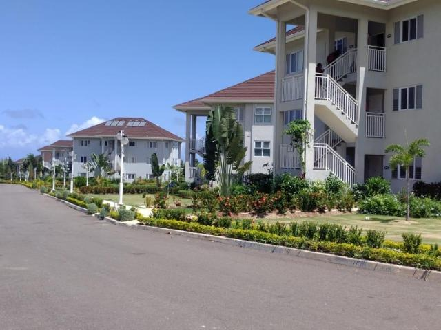 http://images.realtyserver.com/photo_server.php?btnSubmit=GetPhoto&board=jamaica&name=0000AB06.L02