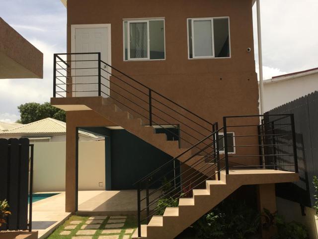 http://images.realtyserver.com/photo_server.php?btnSubmit=GetPhoto&board=jamaica&name=0000AF29.L36