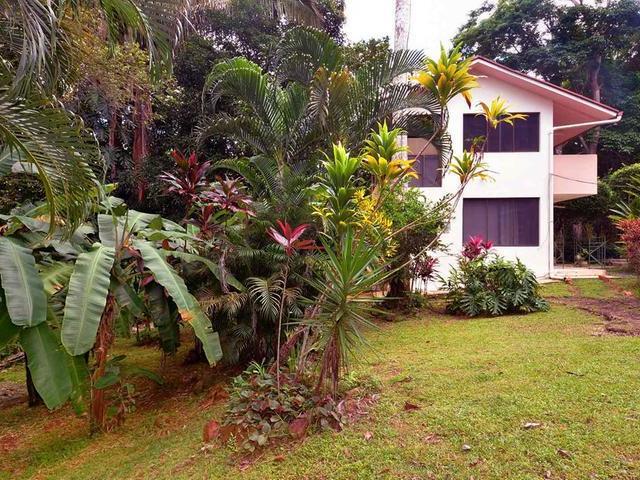 ID 7388 House and Estate in Chapala (Vista Alegre)