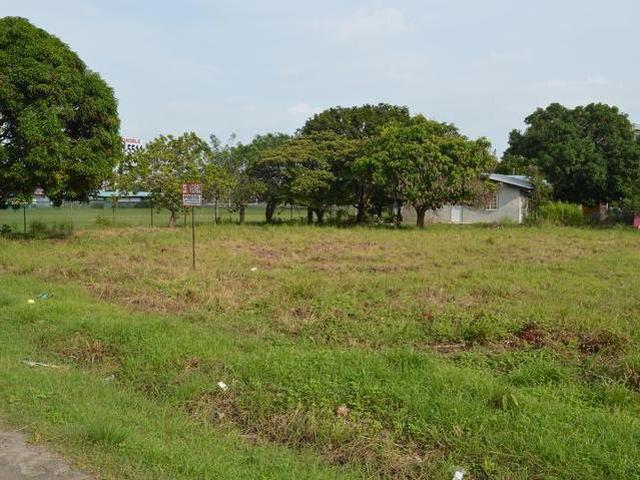 Lot for rent close to Gorgona Mall