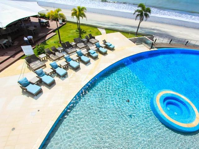 Beautiful 2 Bedroom Oceanfront Unit in OCEAN WAVES