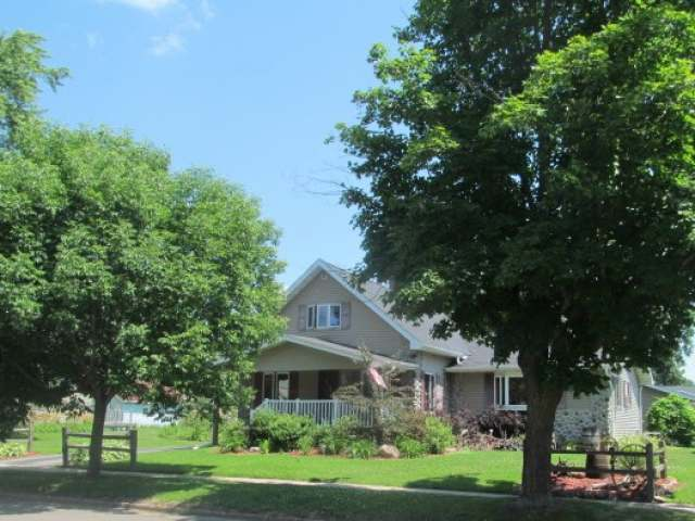 MLS# 138975 - 909 LINCOLN ST  WI 54409