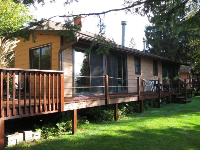 Fence Lake house picture