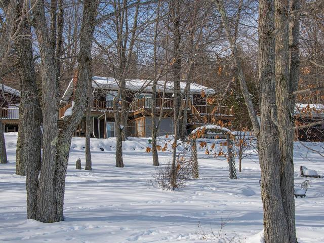 Hancock Lake house picture