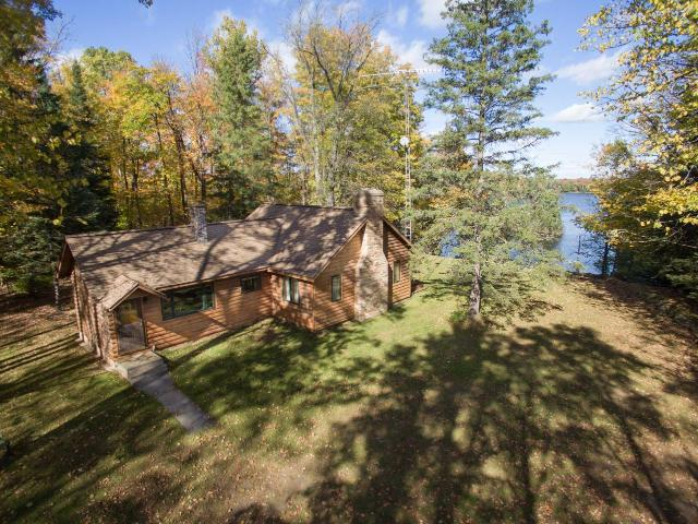 Fisher Lake house picture