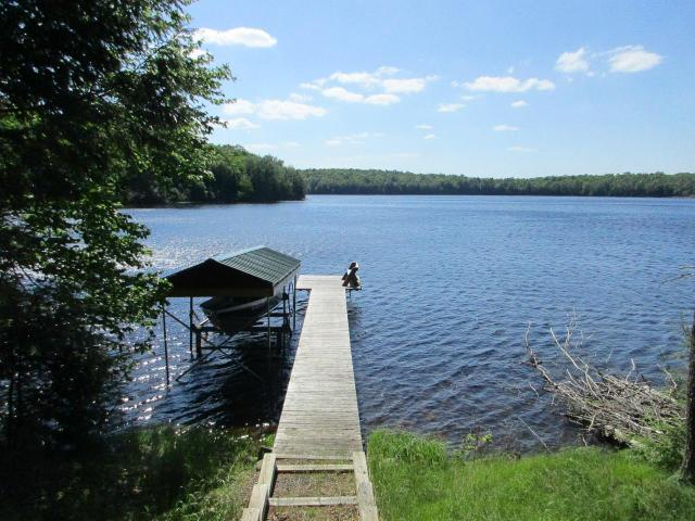 Undocumented Lake house picture