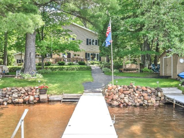 Crescent Lake house picture