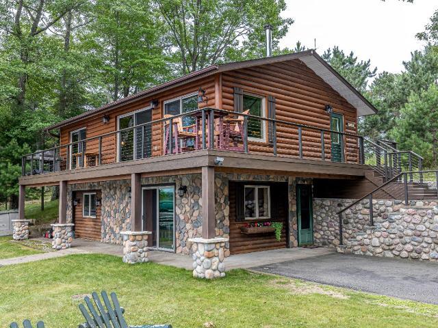 Minocqua Lake house picture