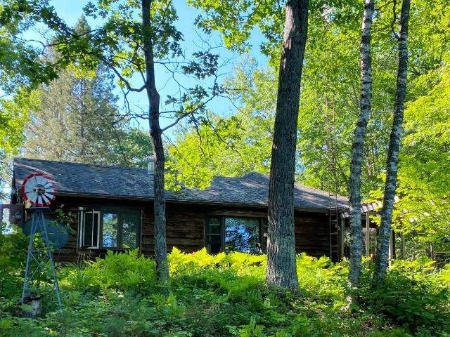 Landing Lake house picture